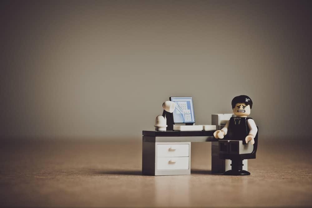 【イギリス幸福度統計】仕事と幸福度は大きく関係する!役職や給料は?