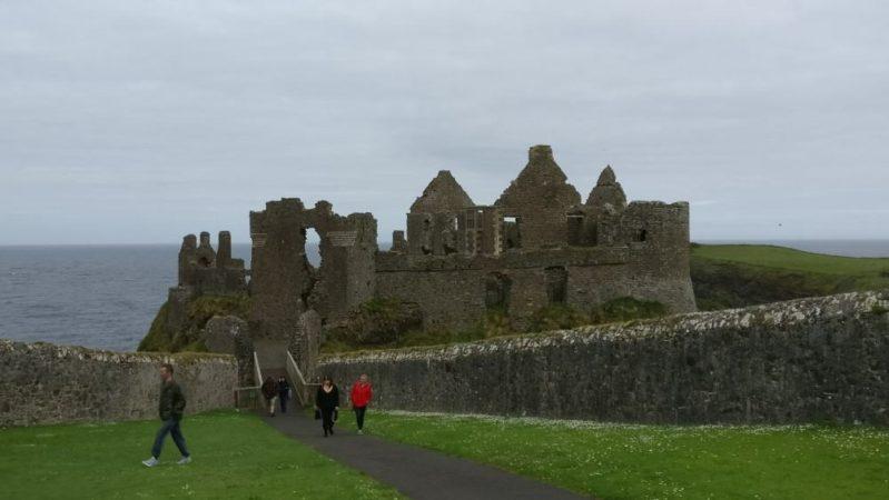 アイルランドの古城に日本の某新興宗教の痕跡を見つけてしまった話