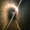 プラハの隠れた名所:洞窟のような要塞と墓地、教会とミュシャの墓